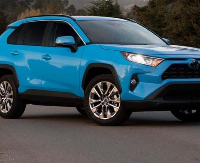 2019 Toyota RAV4 XLE blue_2
