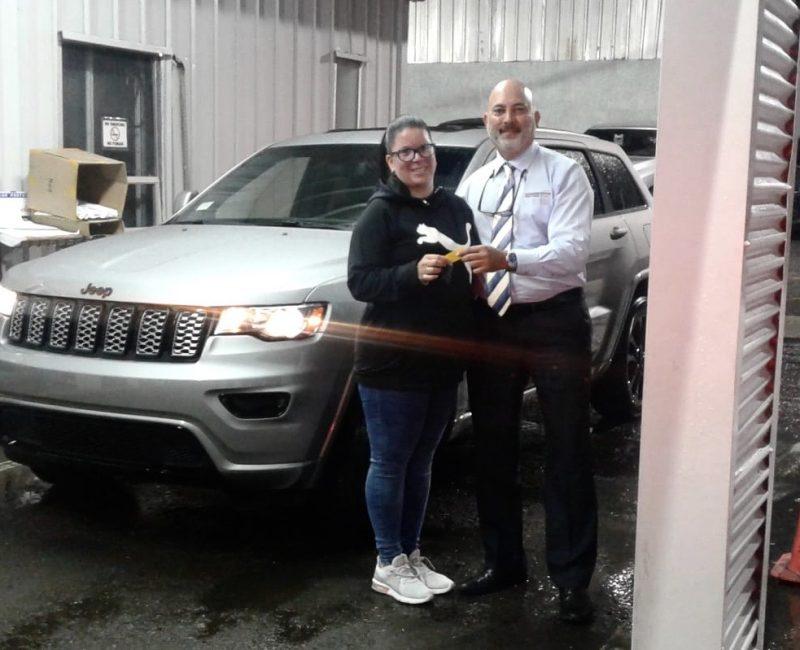 Amaury-Quiñones-Jeep-Salesman