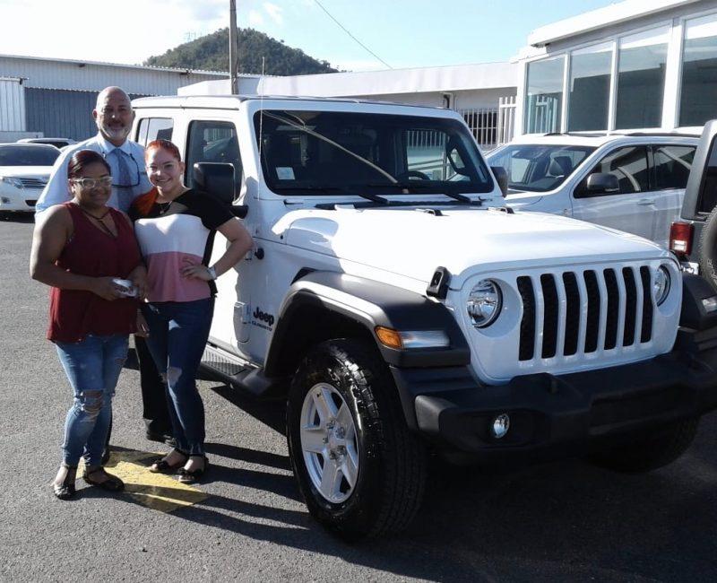 Amaury-Quiñones-Jeep-Salesman-4