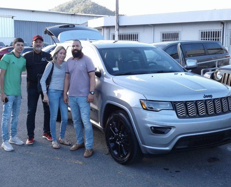 Amaury-Quiñones-Jeep-Salesman-2